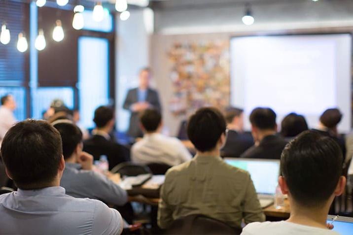 Các bước triển khai quy trình đào tạo nội bộ trong doanh nghiệp